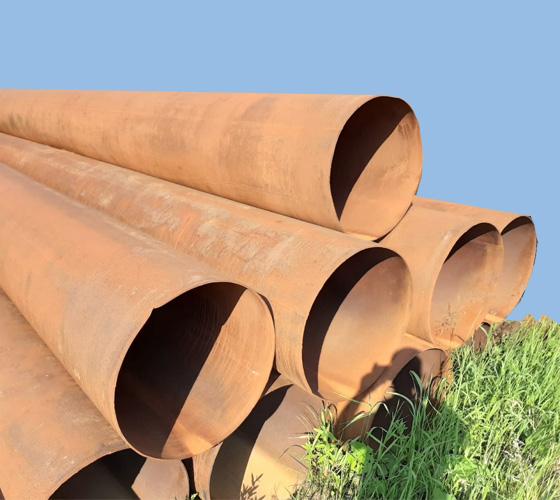 Труба б/у диаметром 426 мм.