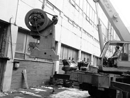 Демонтаж станков и оборудования.