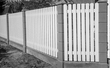 Железобетонные опоры для заборов и ворот